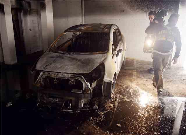 Image result for Βομβιστική επίθεση στο αυτοκίνητο του Λεόντιου Τράττου